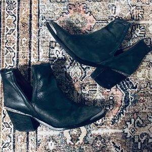 Jeffrey Campbell Cromwell Bootie
